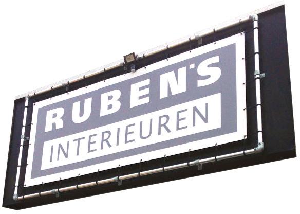 spandoekframe als gevelbelettering voor Rubens Interieuren